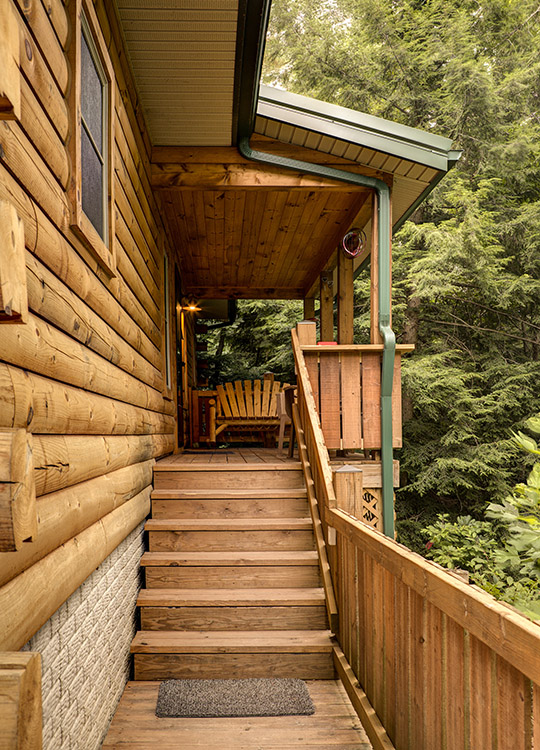 Above the rest cabin in hocking hills at getaway cabins Getawaycabins com