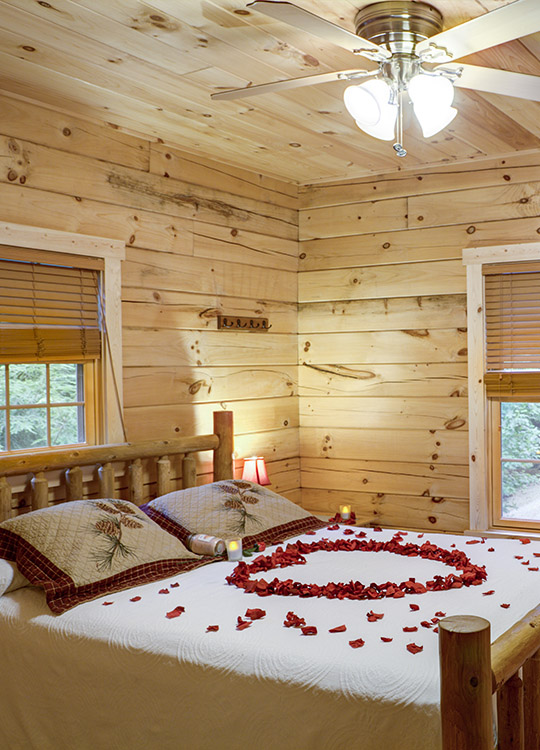 Above the Rest Cabin in Hocking Hills at Getaway Cabins® Red