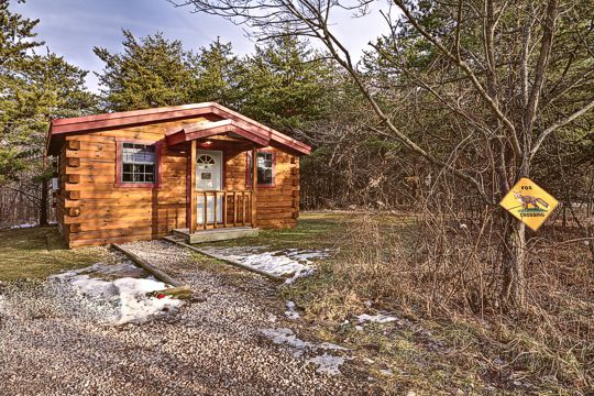 Hocking hills one room romatic cabin for couples getaways Getawaycabins com