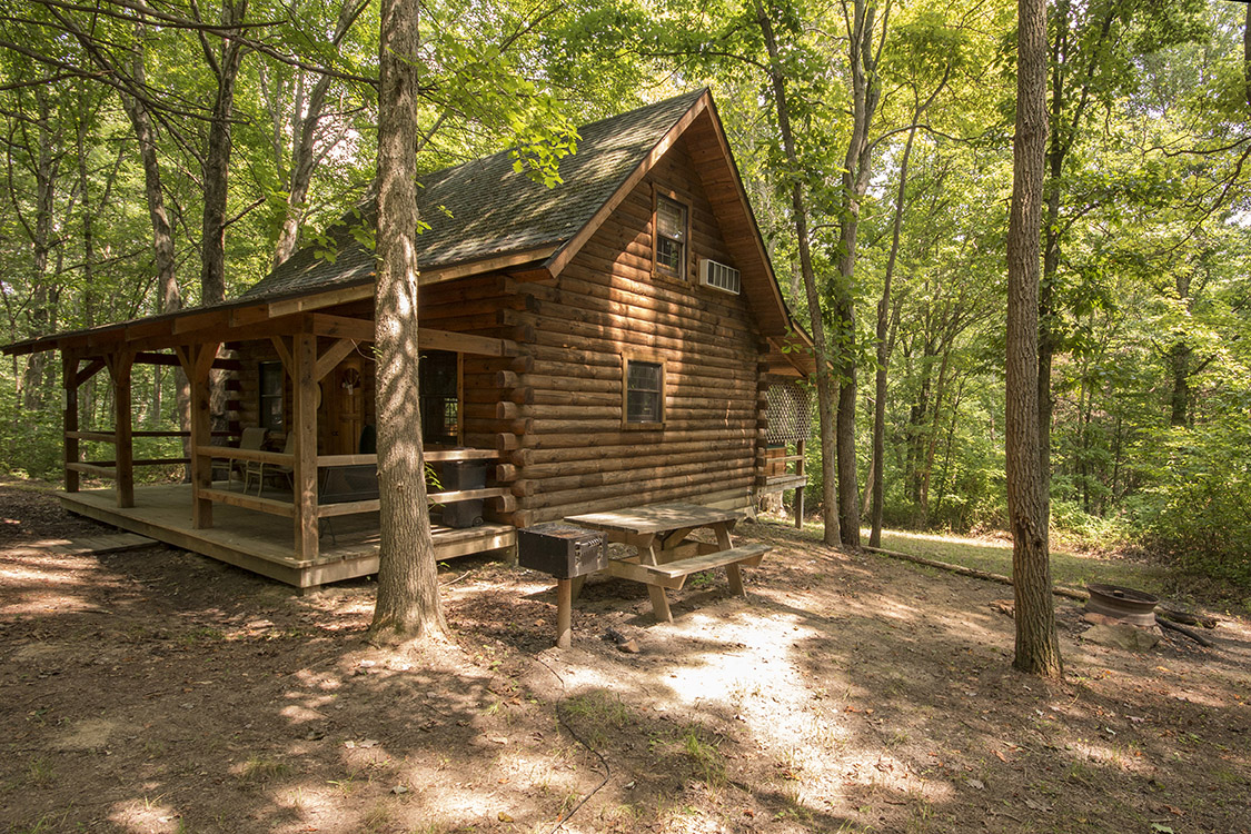 Pet friendly cabins at hocking hills in ohio for Getaway cottage