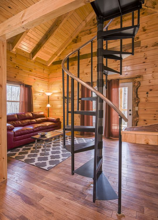 Loft bedroom cabin rental in hocking hills pet friendly Getawaycabins com
