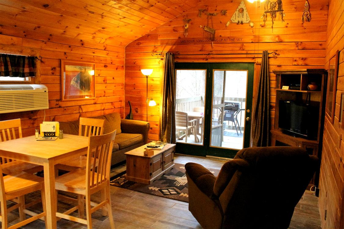 Stupendous Pet Friendly Cabins At Hocking Hills In Ohio Download Free Architecture Designs Scobabritishbridgeorg